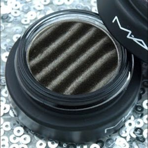 2/$40 Mac SpellbinderShadow Mysterious Influence